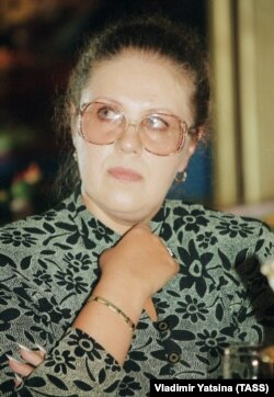Александр Маринина, 1998