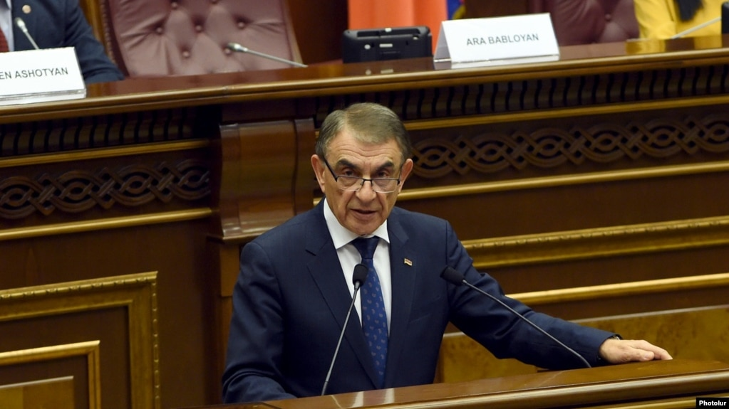 Спикер парламента Армении представил новых депутатов