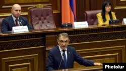 Armenia - Parliament speaker Ara Babloyan speaks during hearings in Yerevan, 1Dec2017.