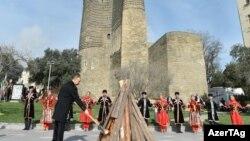 İlham Əliyev Bayram tonqalını yandırır, 18 mart 2017