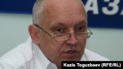 """Лидер незарегистрированной оппозиционной партии """"Алга"""" Владимир Козлов."""