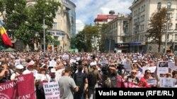 Un nou protest în fața Primăriei de la Chișinău