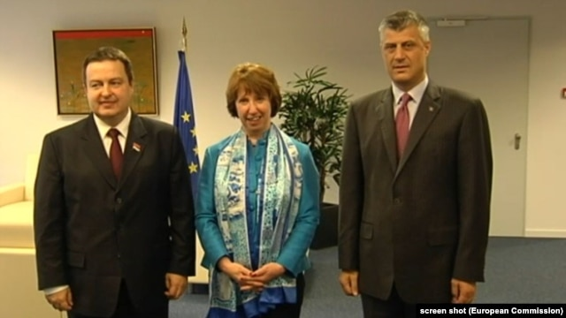 Serbian Prime Minister Ivica Dacic, EU Foreign Policy Representative Catherine Ashton, and Kosovo Prime Minister Hashim Thaci (left to right) in Brussels after their overnight meeting.