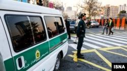 خودروی پلیس در یکی از خیابان های تهران (عکس از آرشیو)
