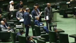 Iran's parliament session over the budget bill in March 2016. Chief of budget planning, Nobakht sitting in front, center.