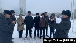 Участники собрания в поддержку двух этнических казахов из Синьцзяна — Кастера Мусаханулы и Мурагера Алимулы, которые заявили о бегстве от преследований в регионе на северо-западе Китая. Нур-Султан, 6 января 2020 года.