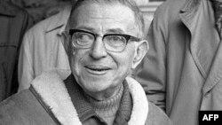 Jean-Paul Sartre Nobel mükafatından imtina edib