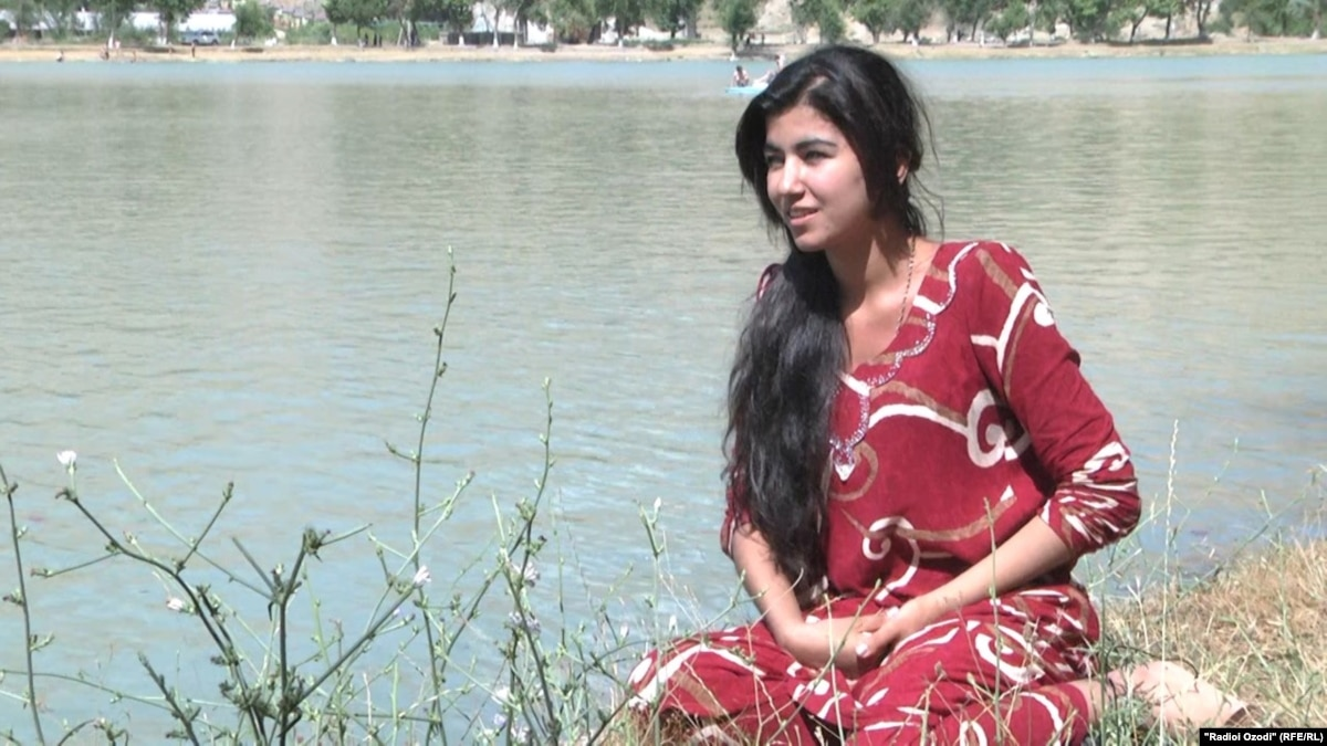 Голые молодые таджички, кунилингус и женское доминирование видео