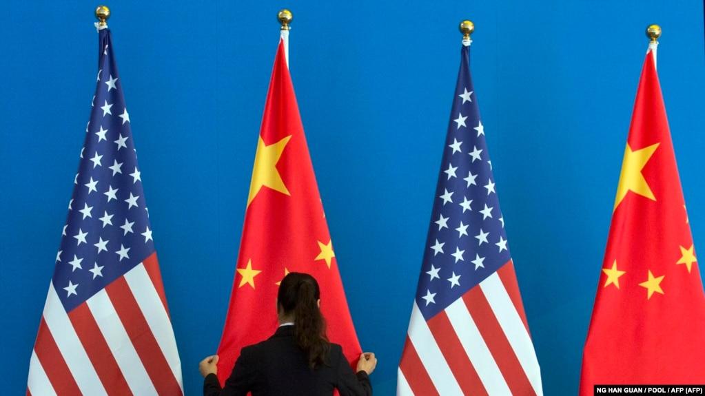 در اعتراض به تحریمهای جدید واشینگتن، چین سفیر آمریکا در پکن را احضار کرد