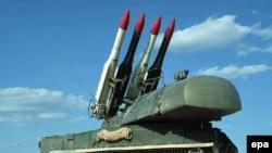 روسیه به علت فروش سامانه موشکی تور-ام یک به ایران، مورد انتقاد شدید آمریکا و اسراییل قرار گرفت