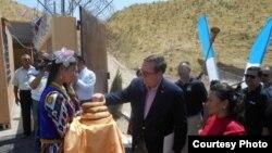 Церемония открытия нового узбекского пограничного поста, расположенного вдоль границы с Таджикистаном.