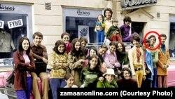 15 yaşlı Osama bin Laden 22 qardaş-bacısı ilə birlikdə İsveçdə tətil zamanı (1971)