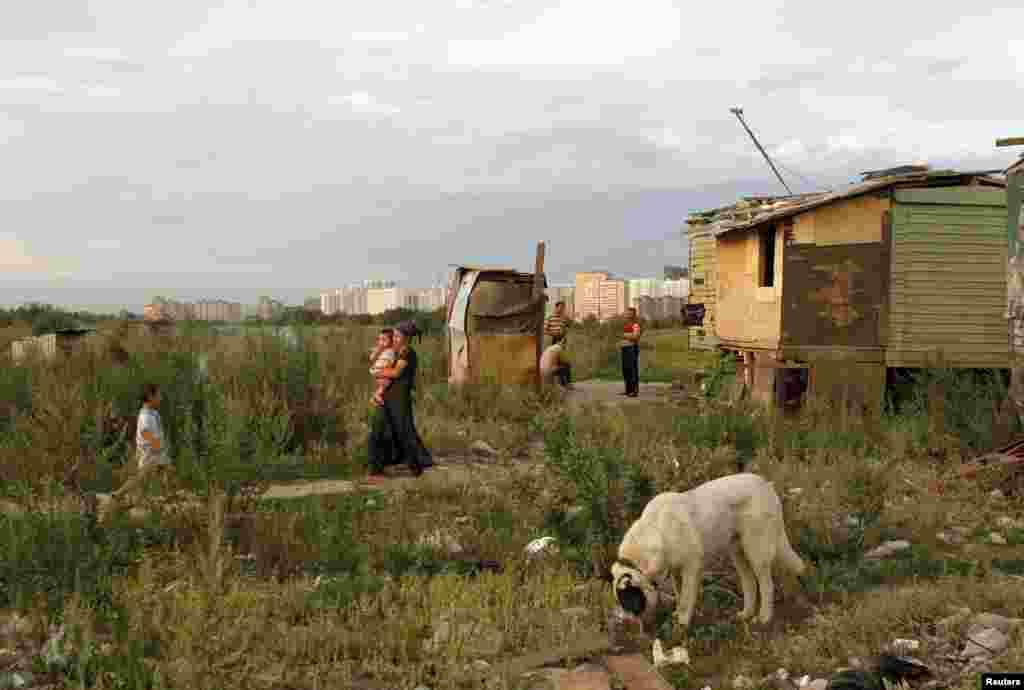 Жизнь мигрантов. 30 июля 2011.