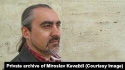 Crkva prepoznaje predsednika kao instrument koji joj je ponekad dobar, a ponekad joj ne odgovara: Miroslav Keveždi