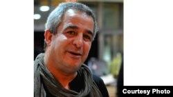 الفنان التشكيلي والتركيبي العراقي المغترب جعفر طاعون