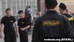 Белорусская милиция вслушивается в очередную молчаливую акцию