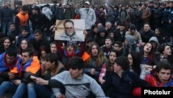 Armenia - Supporters of Artur Sargsian attempt to stage a sit-in in Yerevan, 20Mar2017.