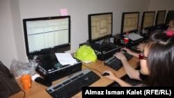 БШКдагы шайлоочулардын тизмесин тактоо иштери, 2011-жылдын 17-октябры.