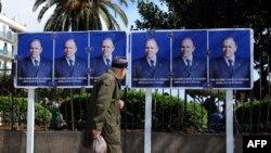 همه خيابانهای الجزيره در تسخير پوسترهای آقای بوتفليقه است، چهارشنبه ۱۹ فروردين ۱۳۸۸
