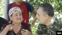 Убактылуу өкмөт башчынын орун басары Өмүрбек Текебаев Жалал-Абад облусунда, 14-июнь