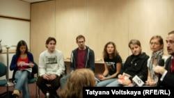 Активисты с судна Greenpeace «Арктик Санрайз».