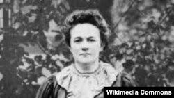 Clara Zetkin 8 martın bayram elan olunduğu Kopenhagen Konfransında