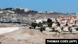 Архива: поглед на израелска населба во Западниот Брег.