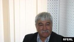 Профессор Астай (Виктор) Бутанаев в Бишкекском бюро Радио Азаттык. 13 мая 2009 г.