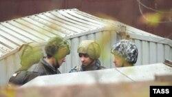 Спецназ готовится к штурму. Дубровка. 26 октября 2002 года.