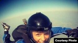Prva padobranka Crne Gore