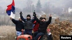 Serbë në Kosovë për Krishtlindjet ortodokse