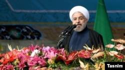 حسن روحانی: اگر جناحها اختلافی دارند، صندوق آرا را بیاوریم و هرچه مردم گفتند عمل کنیم