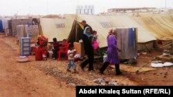 """لاجئون سوريون في مخيم """"دوميز"""" قرب دهوك"""