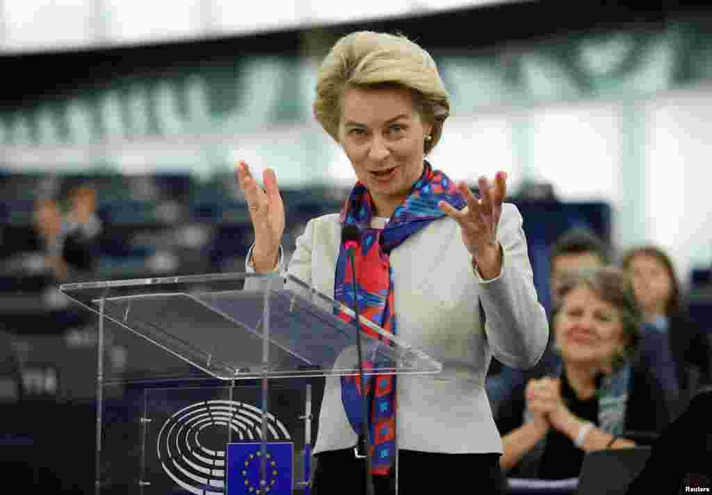 БЕЛГИЈА / МАКЕДОНИЈА - Целта на Европската унија останува проширувањето со шесте балкански држави- Северна Македонија, Србија, Косово, Црна Гора, Албанија и Босна рече новиот еврокомесар за проширување Оливер Вархеји во Брисел на која беше објавена новата методологија за пристапните преговори. Претседателката на Европската комисија Урсула фон дер Лајен, пак, нагласи дека предлогот е добра порака за Северна Македонија и Албанија, двете разочарани земји од немањето одлука за почеток на преговорите во октомври.
