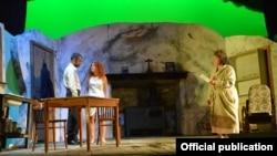 """Martin McDonagh'ın """"Lineyn gözəllik kraliçası"""" tamaşası Gənc Tamaşaçılar Teatrında, 2015"""