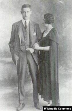 Гарри и Полли после свадьбы в Париже, сентябрь 1922