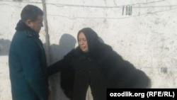 67-летняя Хатира Алимова оказывает сопротивление сносу своего дома.