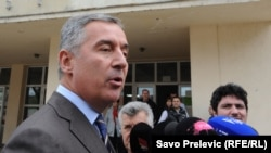 Đukanović je, samo tokom septembra i oktobra, u vrijeme predizborne kampanje, prisustvovao raznim događajima