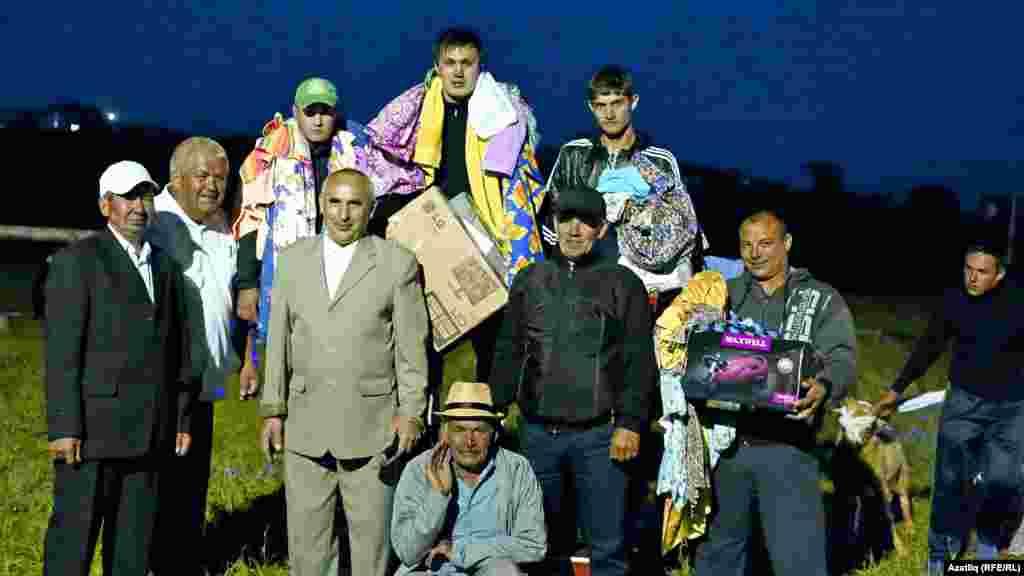 Күки Сабантуе батырлары, төп батыр - Теләче районыннан Айдар Гыйлметдинов.