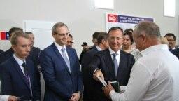 Спецпредставитель ОБСЕ по приднестровскому урегулированию Франко Фраттини в Тирасполе на церемонии вручения нейтральных номеров для автотранспорта Левобережья
