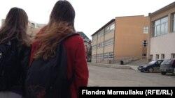 Shkollë në Kosovë, ilustrim