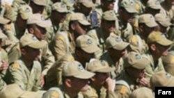 ایران تا پیش از این مصوبه جزو ۲۰ کشوری بود که خدمت اجباری بیش از ۱۸ ماه برای همه مردان بالای ۱۸ سال برقرار کرده بود.(عکس: فارس)