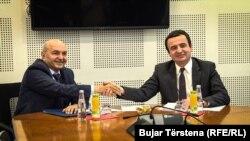 Lideri Demokratskog saveza Kosova Isa Mustafa i pokreta Samoopredeljenje Albin Kurti