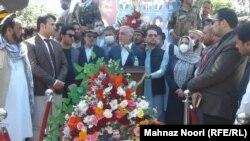 عبدالله عبدالله حین سخنرانی در گردهمایی عدالتخواهی برای قربانیان جنبش رستاخیز تغییر در کابل