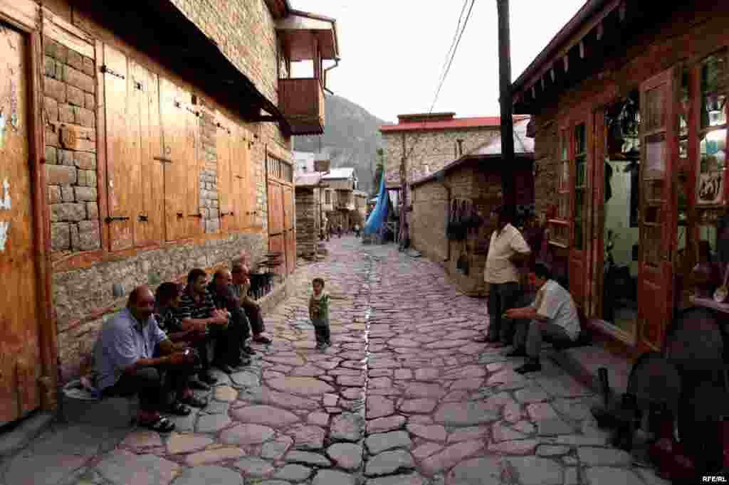 In Azerbaijan, An Ancient Art On The Wane #10