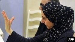 Зубейдат Царнаева, мать Джохара и Тамерлана Царнаевых, подозреваемых в организации взрывов в Бостоне. Махачкала, 25 апреля 2013 года.