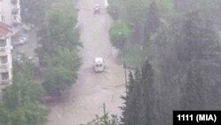 Поплавена улица, невреме Скопје