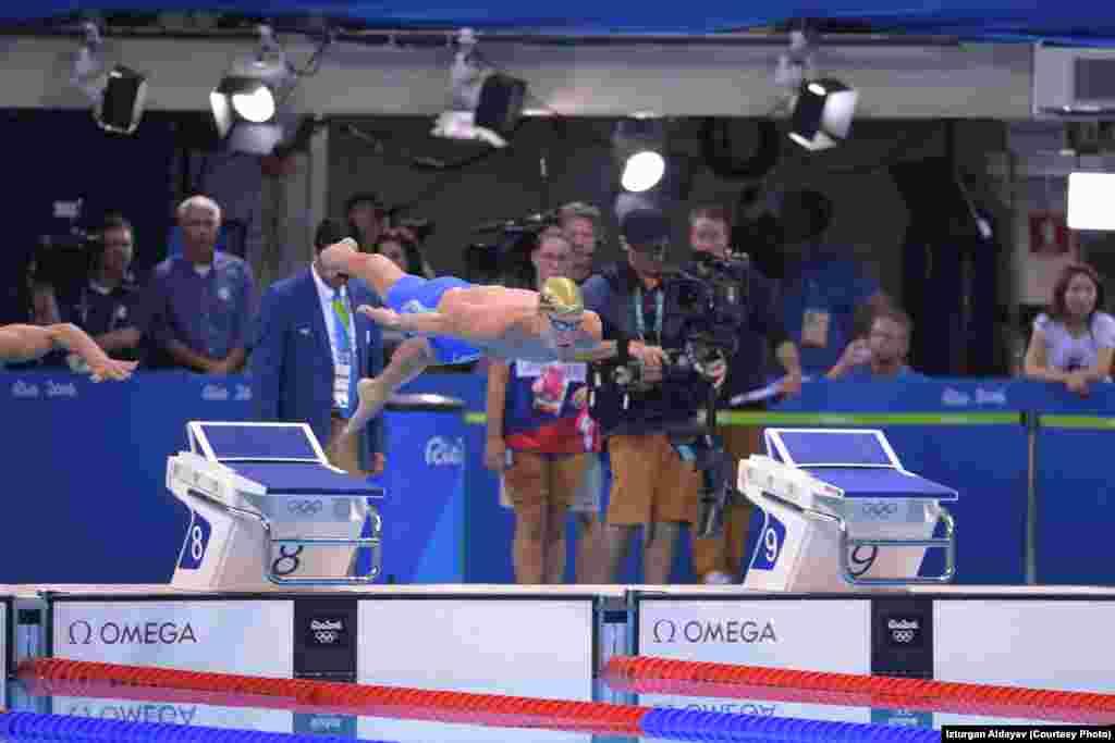 100 метрге брасс әдісімен (құлаштап)жүзу жарысында қазақстандық Дмитрий Баландин сегізінші орын алды. Ол финал кезінде қатты қобалжып, өзінің үздік нәтижесін көрсете алмағанын айтты.Рио-де-Жанейро, 7 тамыз 2016 жыл.
