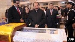 Ніколас Мадуро під час прощання з Уго Чавесом, Каракас, 8 березня 2013 року