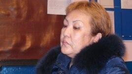 Председатель профсоюза Нурзия Тогызбаева говорит об условиях коллективного договора. 26 декабря 2013 года.